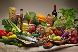 Η μεσογειακή διατροφή κάνει καλό στον εγκέφαλο.